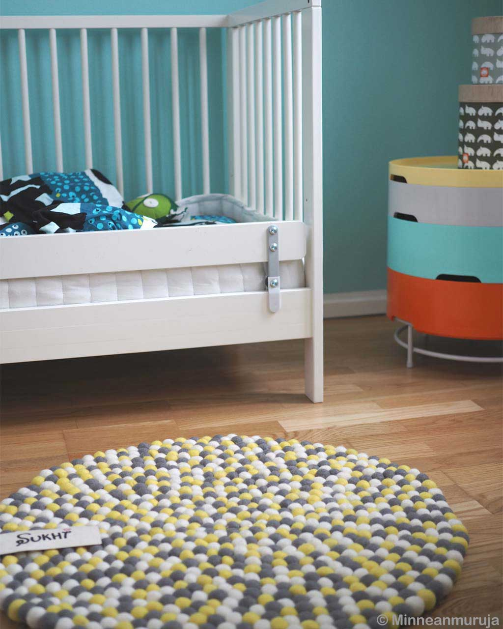 nice white kids bed modern striped rug